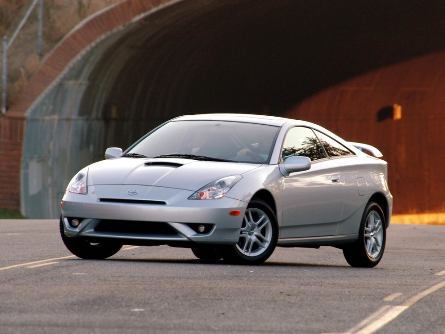 Toyota celica 2011