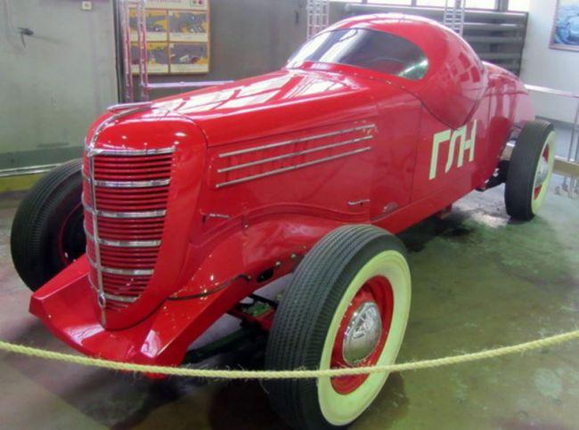 Московский музей ретро-автомобилей: экскурсия по минувшей эпохе 3