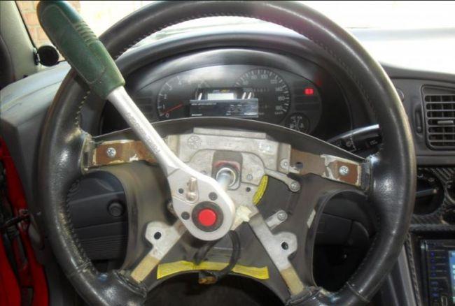 Замена руля в автомобиле 2