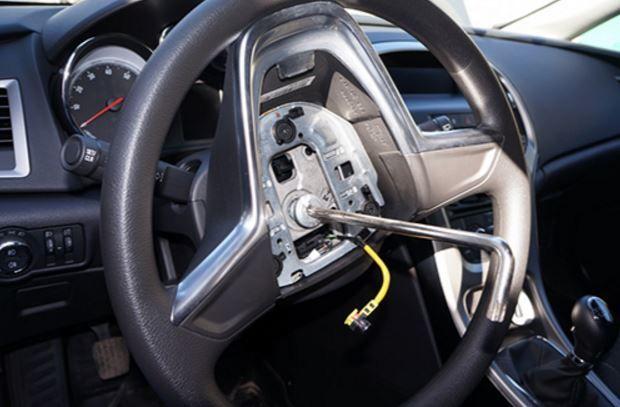 Замена руля в автомобиле 3