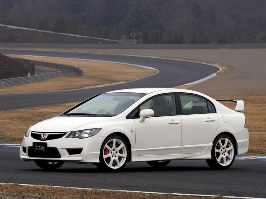 Honda Civic Type-R седан, 2005–2008, 8 поколение - отзывы, фото и характеристики на Car.ru
