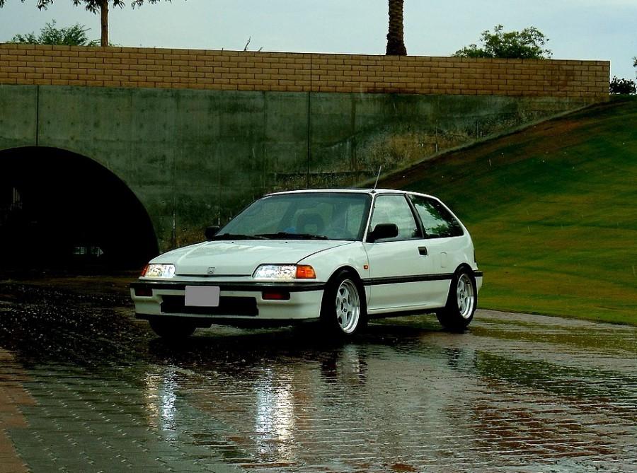 Honda Civic Si хетчбэк 3-дв., 1987–1996, 4 поколение - отзывы, фото и характеристики на Car.ru