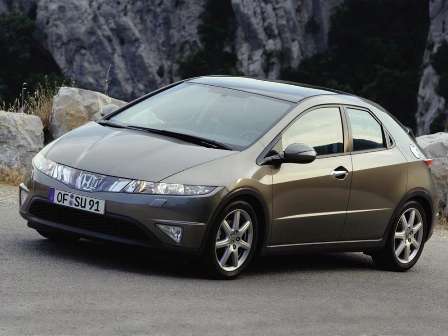 Honda Civic хетчбэк 5-дв., 2005–2008, 8 поколение - отзывы, фото и характеристики на Car.ru