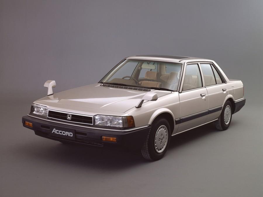 Honda Accord GXR седан 4-дв., 2 поколение - отзывы, фото и характеристики на Car.ru