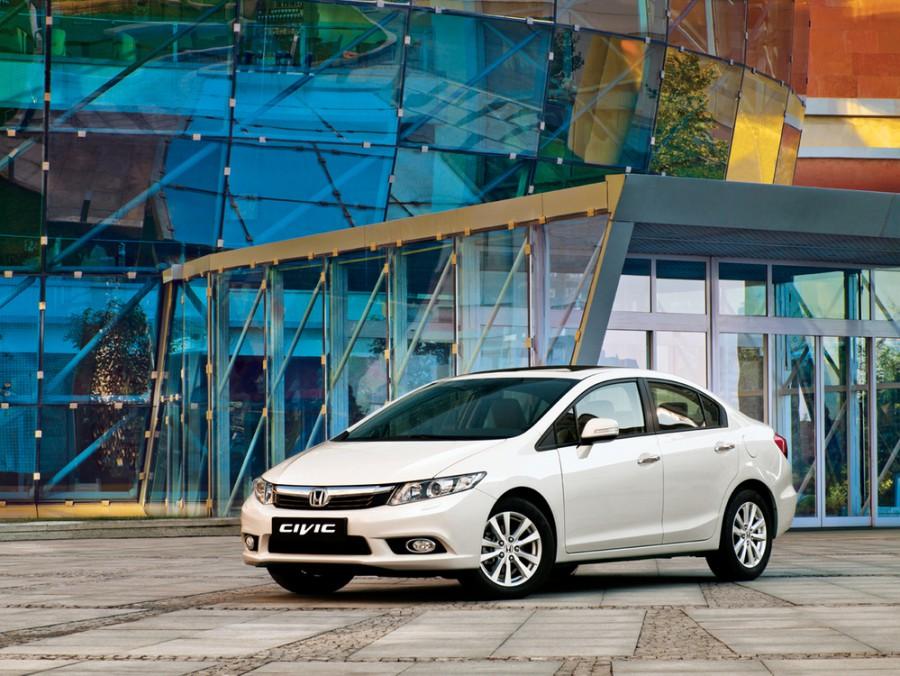 Honda Civic седан 4-дв., 2012–2016, 9 поколение - отзывы, фото и характеристики на Car.ru