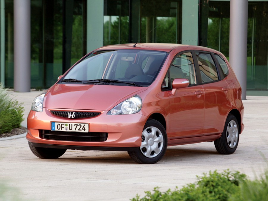 Honda Jazz хетчбэк, 2004–2007, 1 поколение [рестайлинг] - отзывы, фото и характеристики на Car.ru