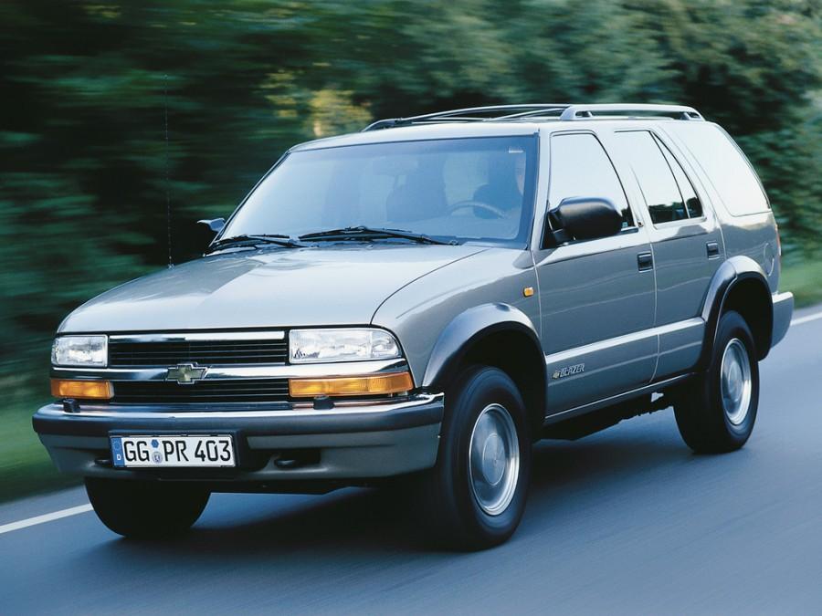 Chevrolet Blazer внедорожник 5-дв., 1997–2005, 4 поколение [рестайлинг] - отзывы, фото и характеристики на Car.ru