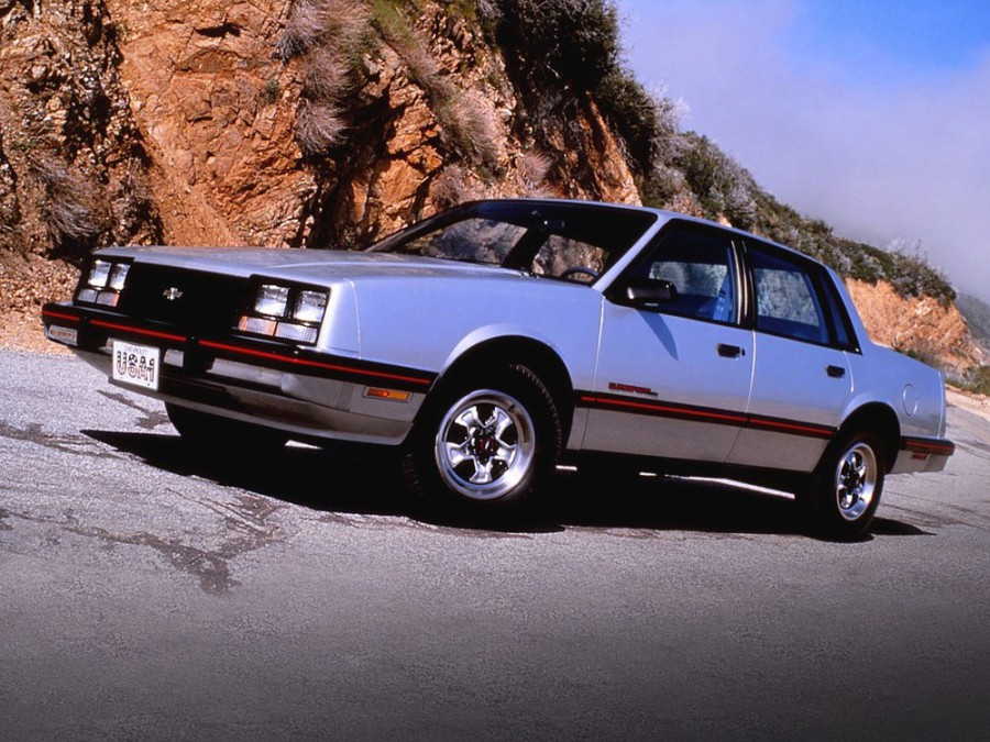 Chevrolet Celebrity седан, 1983–1985, 1 поколение [рестайлинг] - отзывы, фото и характеристики на Car.ru