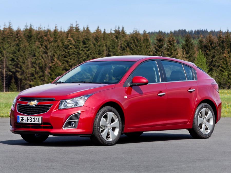 Chevrolet Cruze хетчбэк 5-дв., 2012–2016, J300 [рестайлинг] - отзывы, фото и характеристики на Car.ru