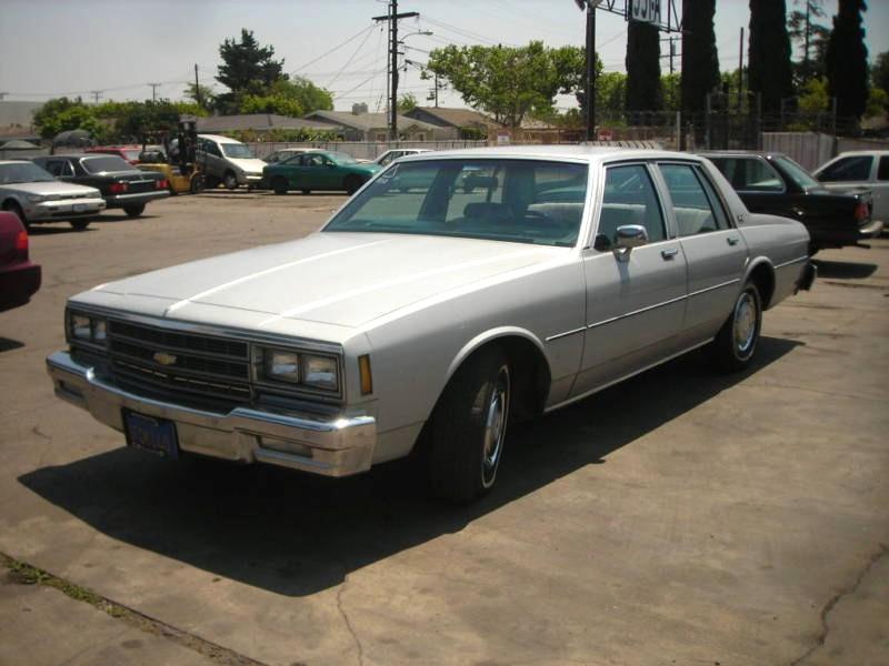 Chevrolet Impala седан, 1981–1985, 6 поколение [4-й рестайлинг] - отзывы, фото и характеристики на Car.ru