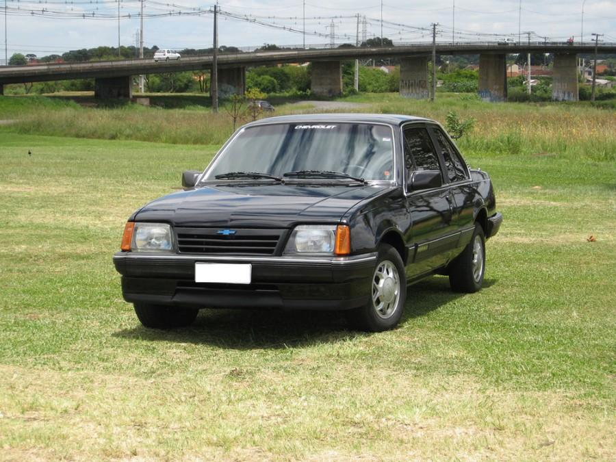 Chevrolet Monza седан 2-дв., 1983–1991, 2 поколение - отзывы, фото и характеристики на Car.ru