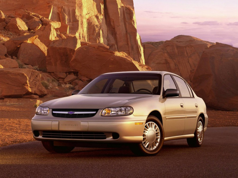 Chevrolet Malibu седан, 2000–2003, 2 поколение [рестайлинг] - отзывы, фото и характеристики на Car.ru