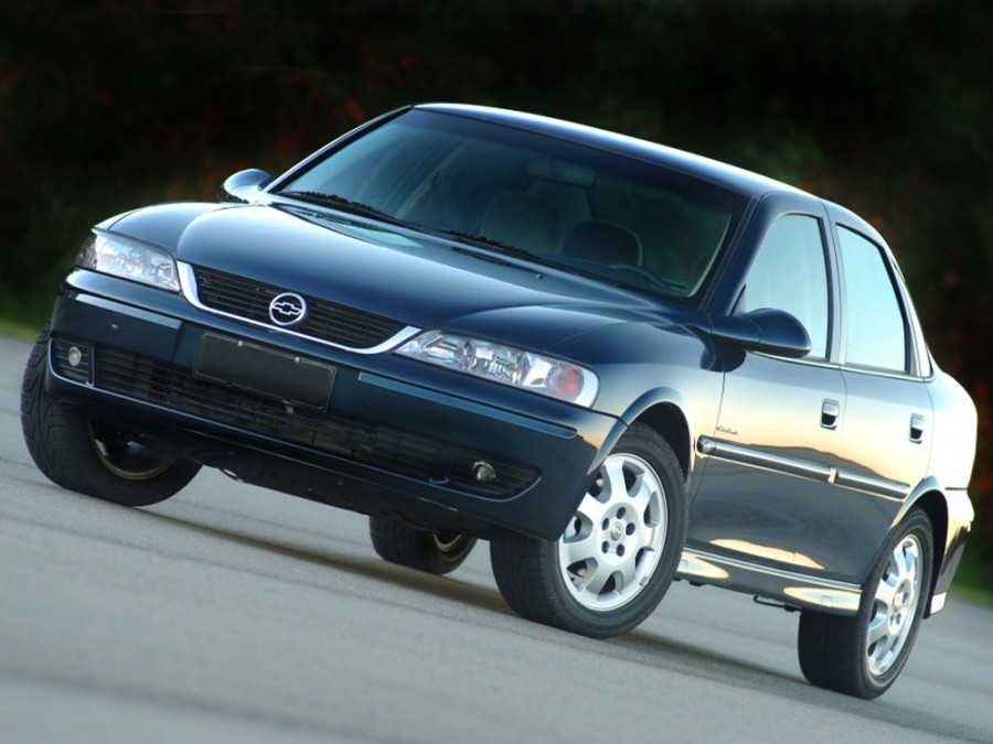 Chevrolet Vectra седан, 1996–2005, 2 поколение - отзывы, фото и характеристики на Car.ru