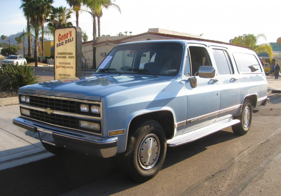 Chevrolet Suburban внедорожник, 1989–1991, 8 поколение [2-й рестайлинг] - отзывы, фото и характеристики на Car.ru