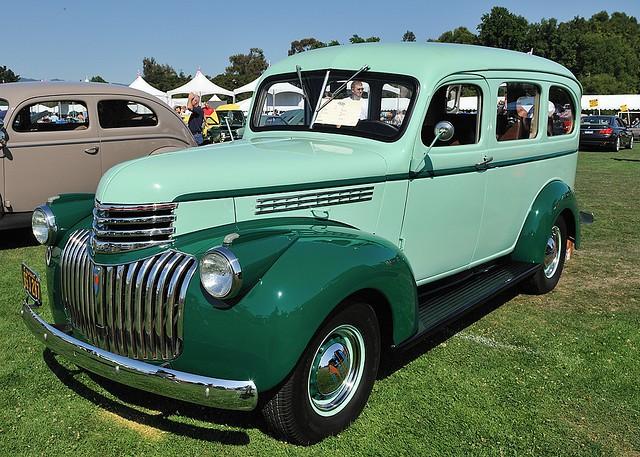 Chevrolet Suburban внедорожник, 1941–1946, 3 поколение - отзывы, фото и характеристики на Car.ru