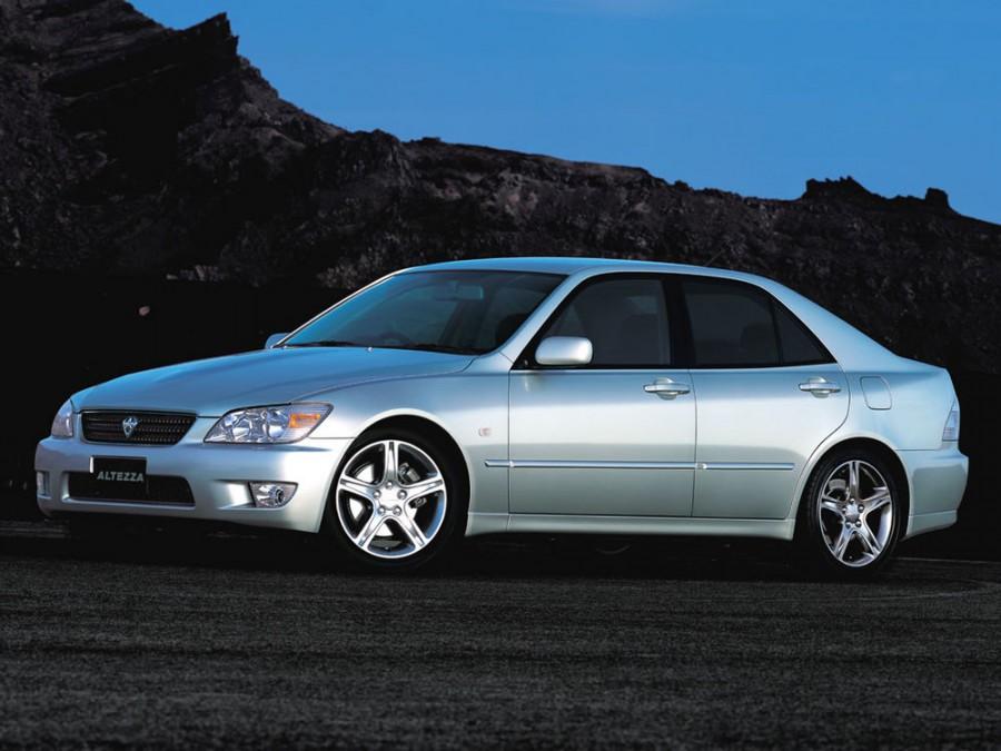 Toyota Altezza седан, 1998–2005, XE10 - отзывы, фото и характеристики на Car.ru