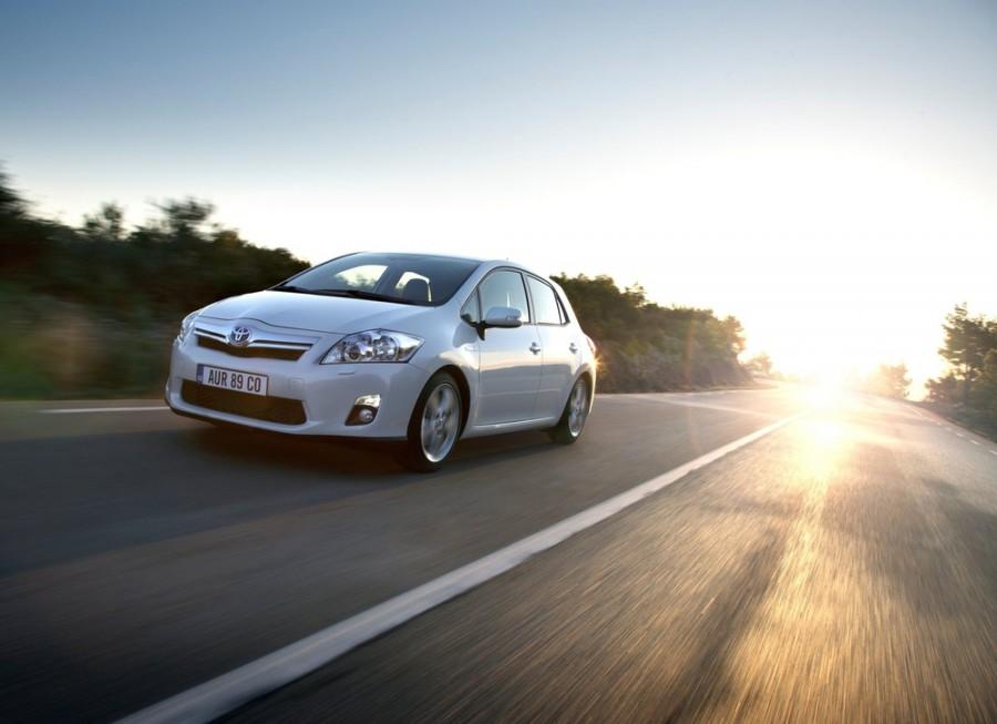 Toyota Auris Hybrid хетчбэк 5-дв., 2010–2012, 1 поколение [рестайлинг] - отзывы, фото и характеристики на Car.ru