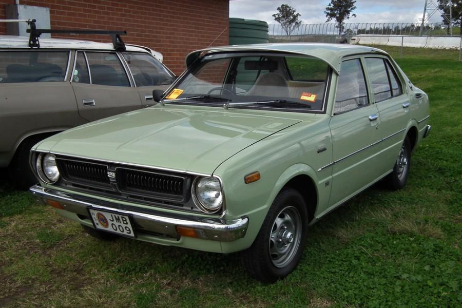 Toyota Corolla JDM седан 4-дв., 1976–1981, E50 [рестайлинг] - отзывы, фото и характеристики на Car.ru