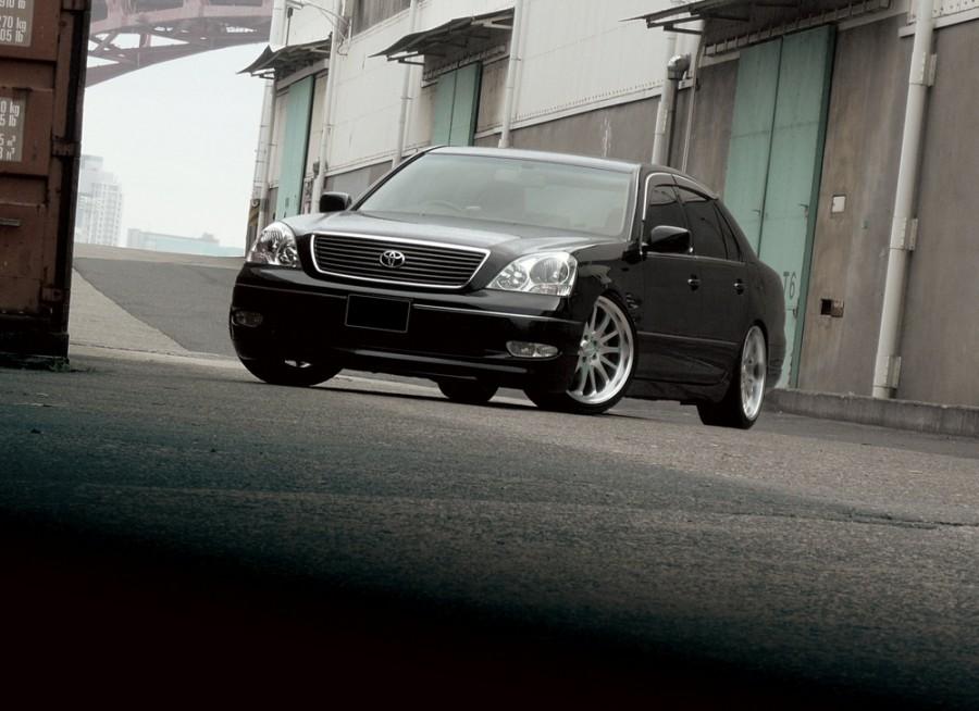 Toyota Celsior седан, 2000–2003, F30 - отзывы, фото и характеристики на Car.ru