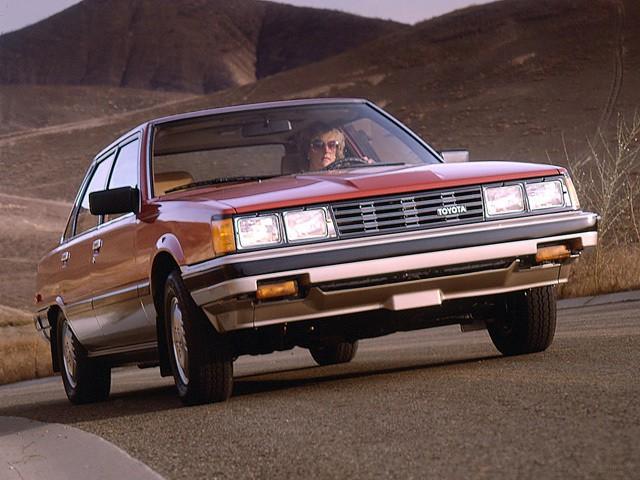 Toyota Camry седан, 1982–1984, V10 - отзывы, фото и характеристики на Car.ru