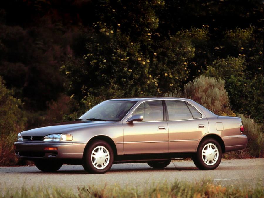 Toyota Camry седан, 1994–1996, XV10 [рестайлинг] - отзывы, фото и характеристики на Car.ru