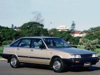 Toyota Camry, V10 [рестайлинг], Лифтбэк, 1984–1986