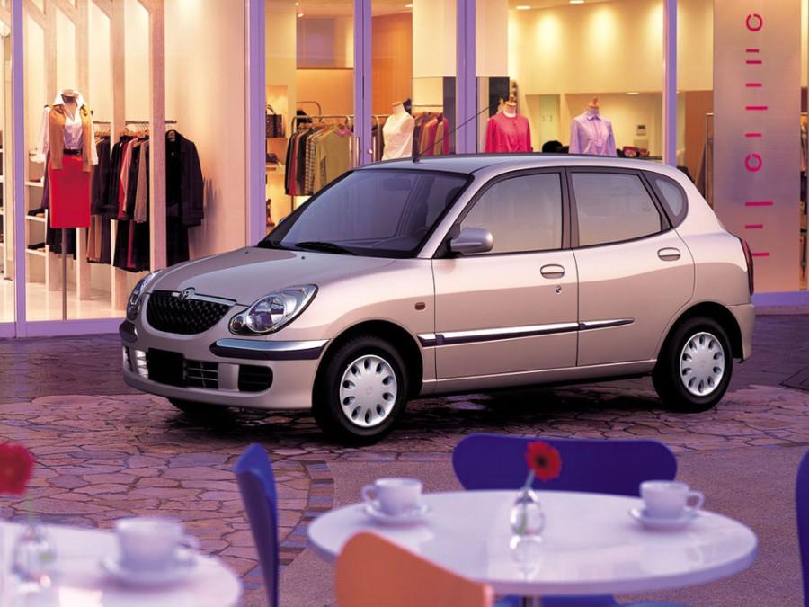 Toyota Duet хетчбэк, 2001–2004, 1 поколение [рестайлинг] - отзывы, фото и характеристики на Car.ru