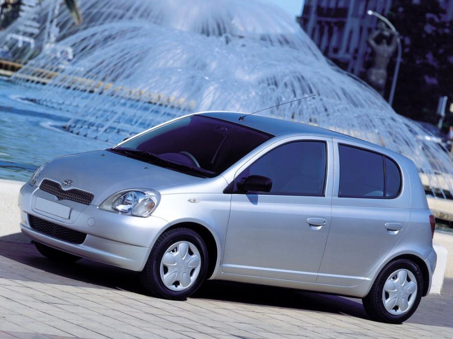 Toyota Echo хетчбэк 5-дв., 1999–2003, 1 поколение - отзывы, фото и характеристики на Car.ru