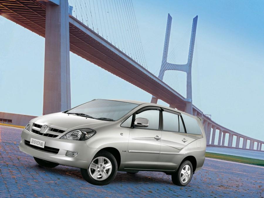 Toyota Innova минивэн, 2004–2008, 1 поколение - отзывы, фото и характеристики на Car.ru