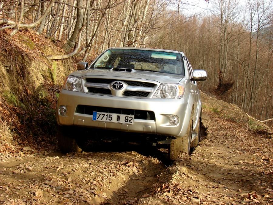 Toyota Hilux пикап 4-дв., 2005–2008, 7 поколение - отзывы, фото и характеристики на Car.ru