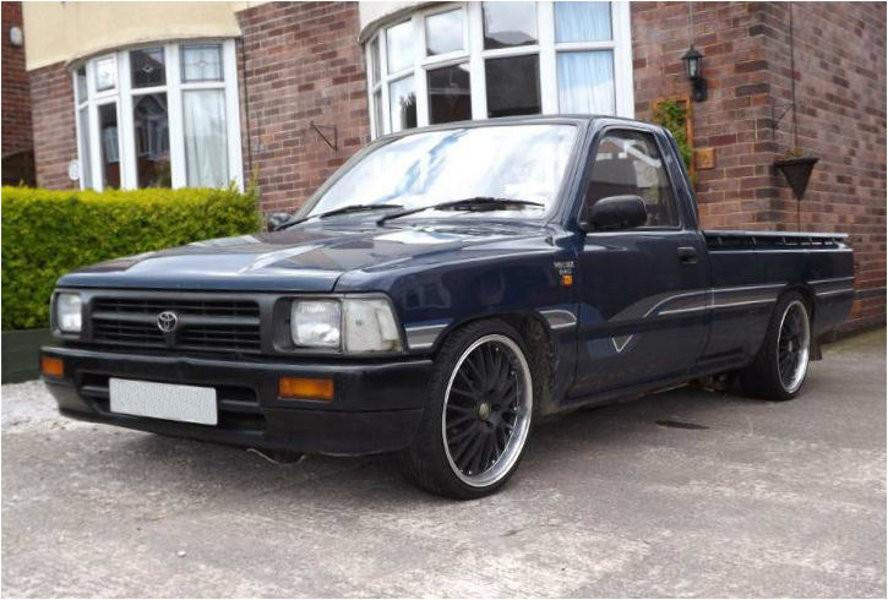 Toyota Hilux пикап 2-дв., 1991–1997, 5 поколение [рестайлинг] - отзывы, фото и характеристики на Car.ru