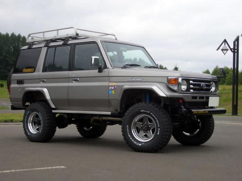 Toyota Land Cruiser J76 внедорожник 5-дв., 1999–2007, J70 [2-й рестайлинг] - отзывы, фото и характеристики на Car.ru