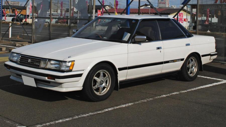 Toyota Vitz 2013, 1.3 литра, Введение, тип кузова Хэтчбек ...
