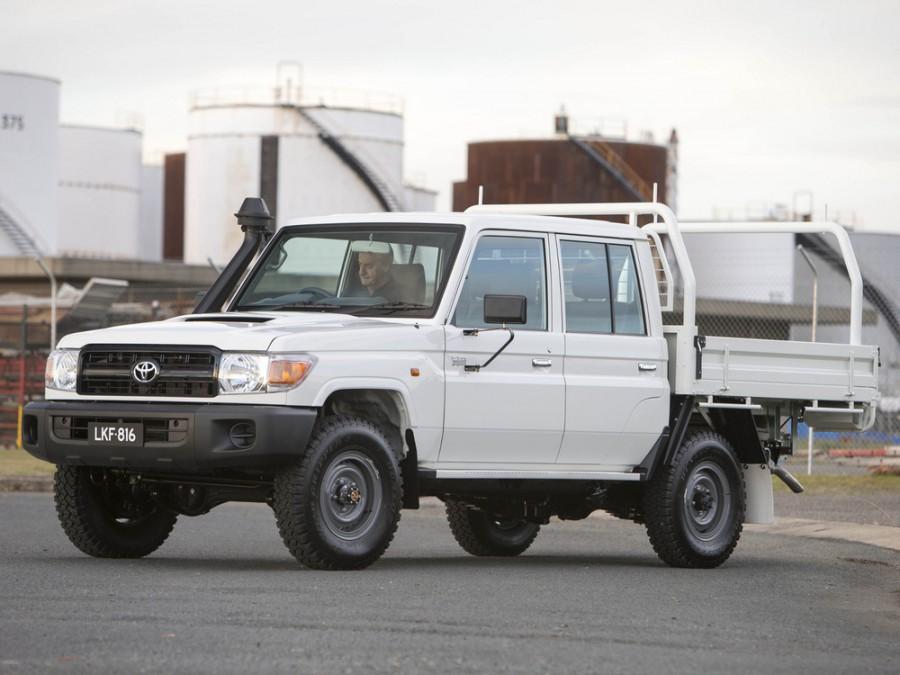 Toyota Land Cruiser J79 шасси 4-дв., 2007–2016, J70 [3-й рестайлинг] - отзывы, фото и характеристики на Car.ru