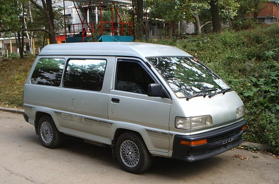 Toyota Lite Ace минивэн, 1986–1992, 3 поколение [рестайлинг] - отзывы, фото и характеристики на Car.ru