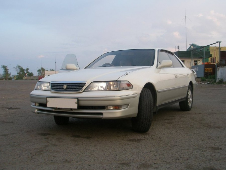 Toyota Mark II, Азово