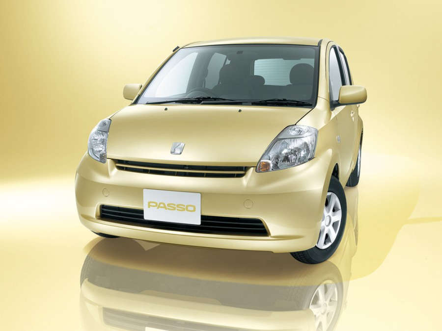 Toyota Passo хетчбэк, 2004–2010, 1 поколение - отзывы, фото и характеристики на Car.ru