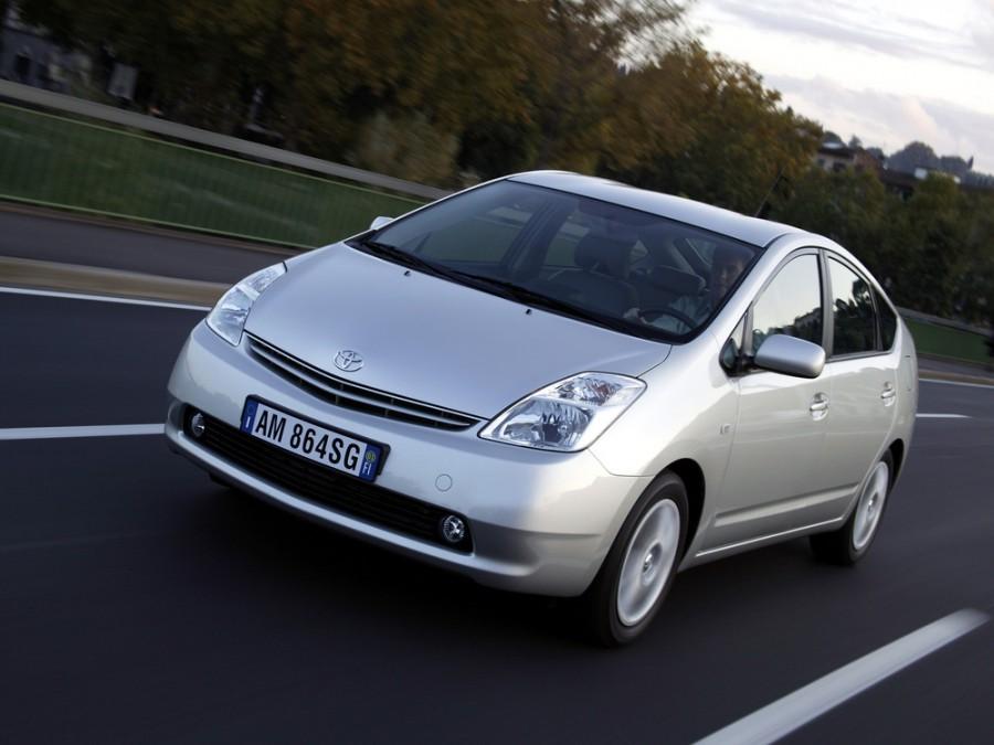 Toyota Prius хетчбэк, 2003–2009, 2 поколение - отзывы, фото и характеристики на Car.ru
