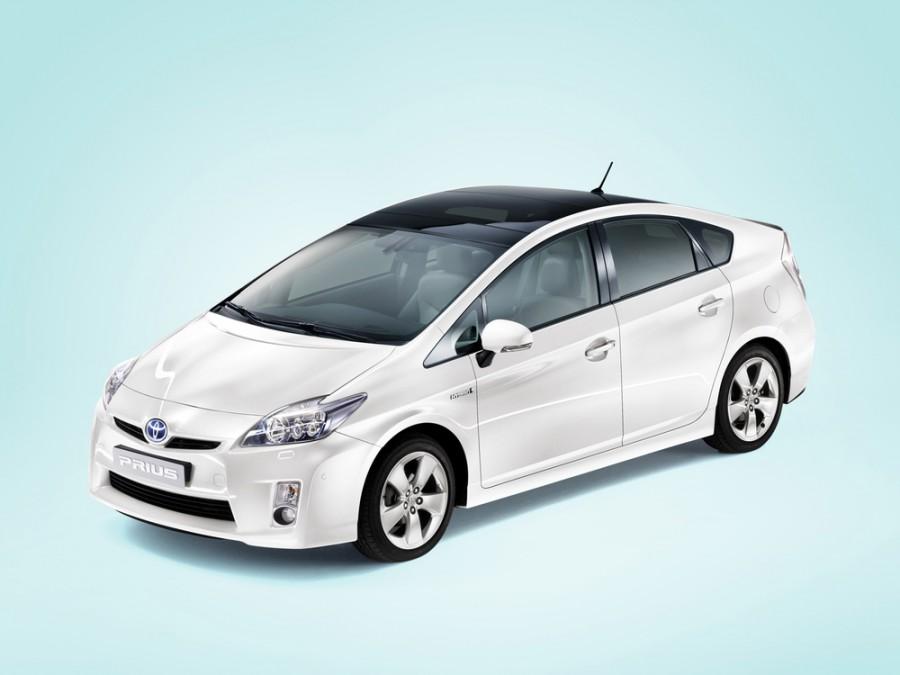 Toyota Prius хетчбэк, 2009–2011, 3 поколение - отзывы, фото и характеристики на Car.ru
