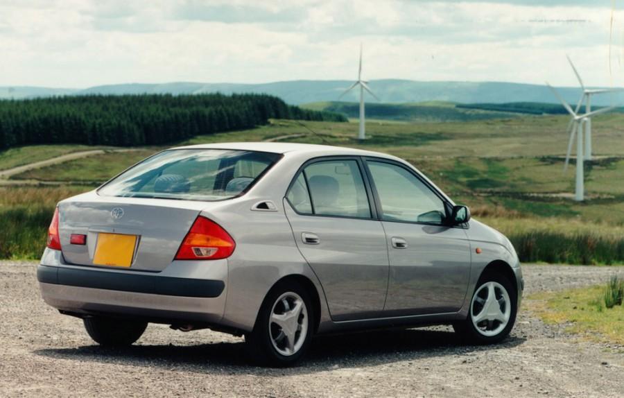 Toyota Prius 1999 год отзывы #10