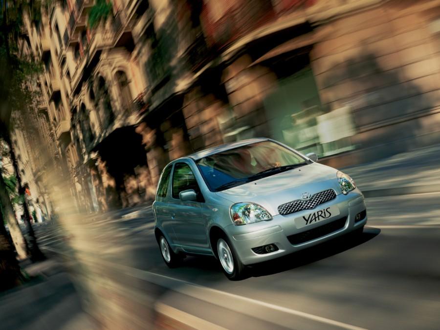 Toyota Yaris хетчбэк 3-дв., 2003–2005, P1 [рестайлинг] - отзывы, фото и характеристики на Car.ru