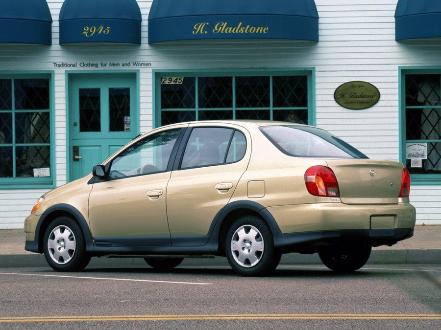 Toyota Yaris седан, 1999–2003, P1 - отзывы, фото и характеристики на Car.ru