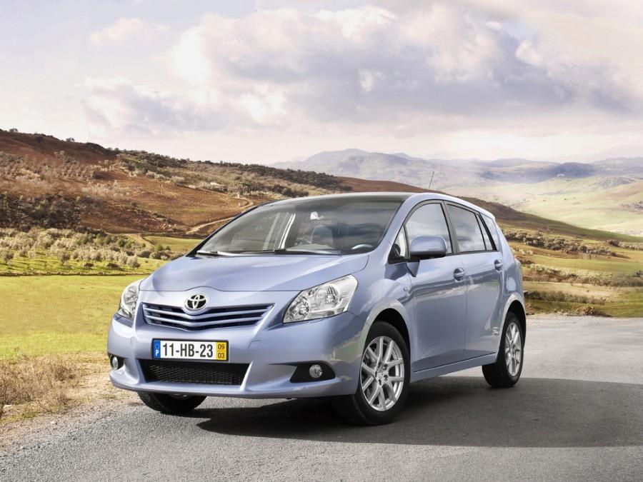 Toyota Verso минивэн, 2009–2013, 1 поколение - отзывы, фото и характеристики на Car.ru