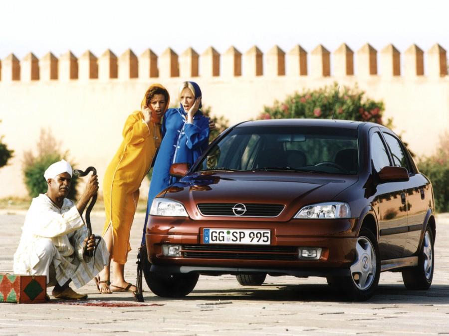 Opel Astra хетчбэк 5-дв., 1998–2009, G - отзывы, фото и характеристики на Car.ru