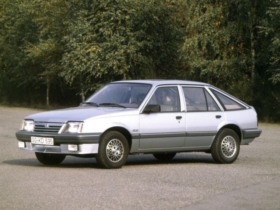 Opel Ascona хетчбэк, 3 поколение [2-й рестайлинг] - отзывы, фото и характеристики на Car.ru