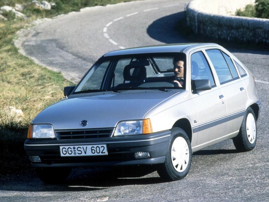 Opel Kadett хетчбэк 5-дв., E [рестайлинг] - отзывы, фото и характеристики на Car.ru