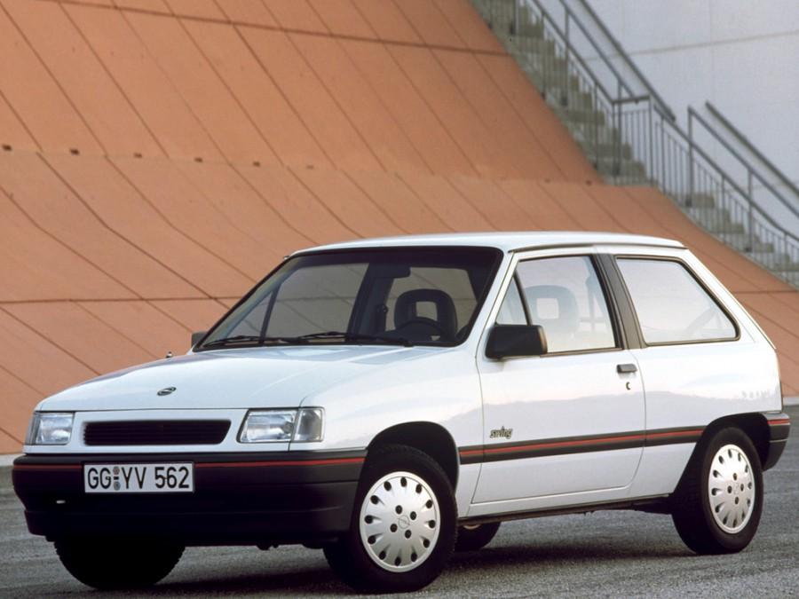 Opel Corsa хетчбэк 3-дв., A [2-й рестайлинг] - отзывы, фото и характеристики на Car.ru