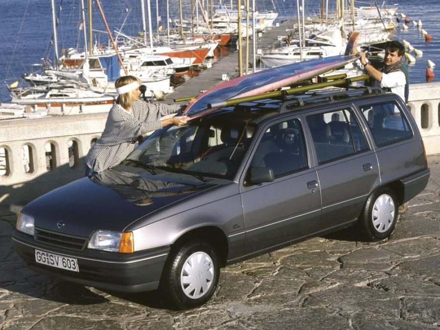 Opel Kadett универсал, E [рестайлинг] - отзывы, фото и характеристики на Car.ru