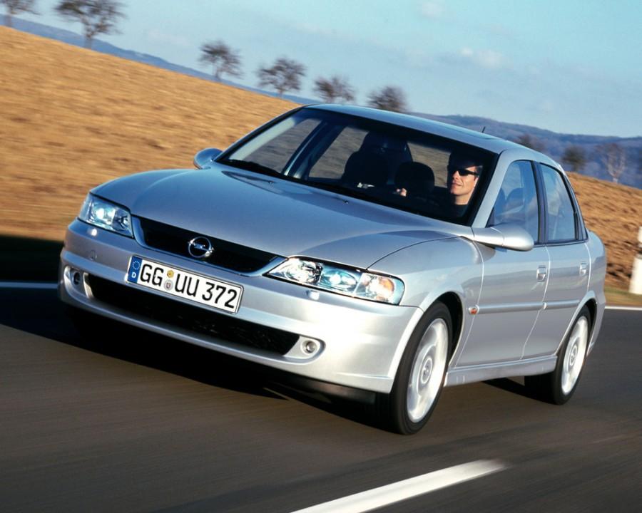 Opel Vectra седан 4-дв., 1999–2002, B [рестайлинг] - отзывы, фото и характеристики на Car.ru