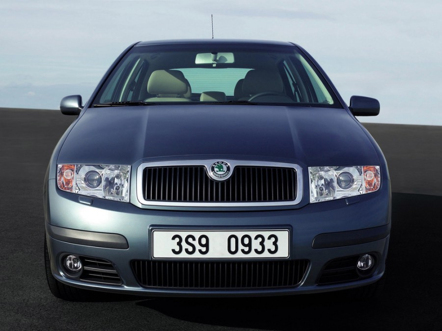 Skoda Fabia седан, 2002–2007, 6Y [рестайлинг] - отзывы, фото и характеристики на Car.ru